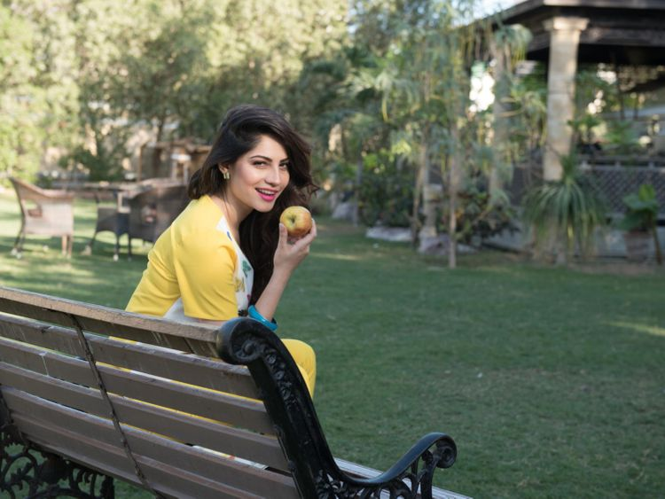Neelam_Muneer_on_location_of_WRONG_NO.2-1557125015097
