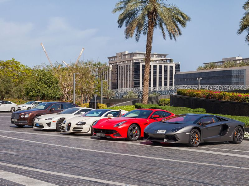 You Asked Why Are There So Many Luxury Cars In Dubai