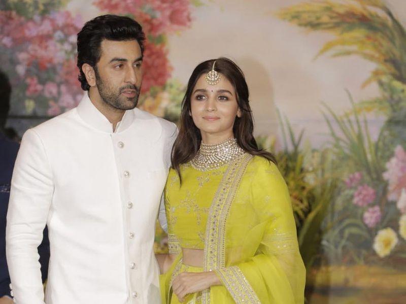 tab Alia Bhatt and Ranbir Kapoor-1557388358043