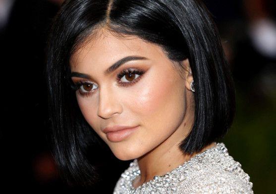 tab Kylie Jenner (4)-1557647276269