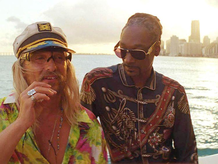 tab Matthew McConaughey and Snoop Dogg in The Beach Bum (2019)-1557837580744