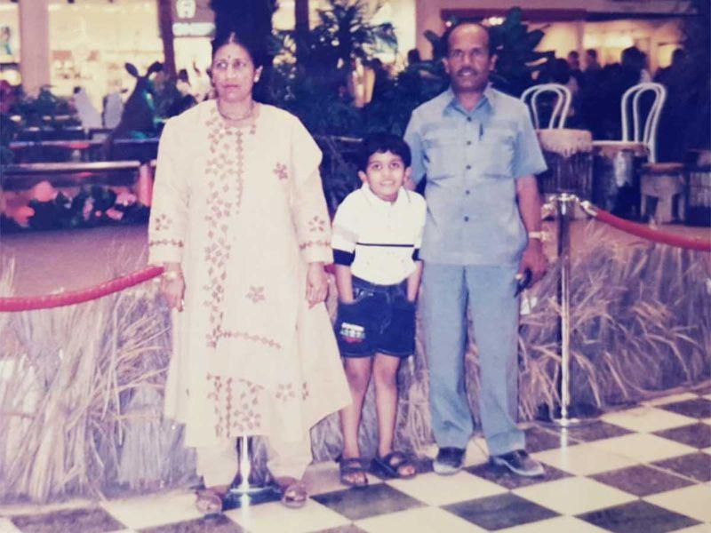 Heena Geriya, son Kunal and Gulabchand Geriya in the 1990s