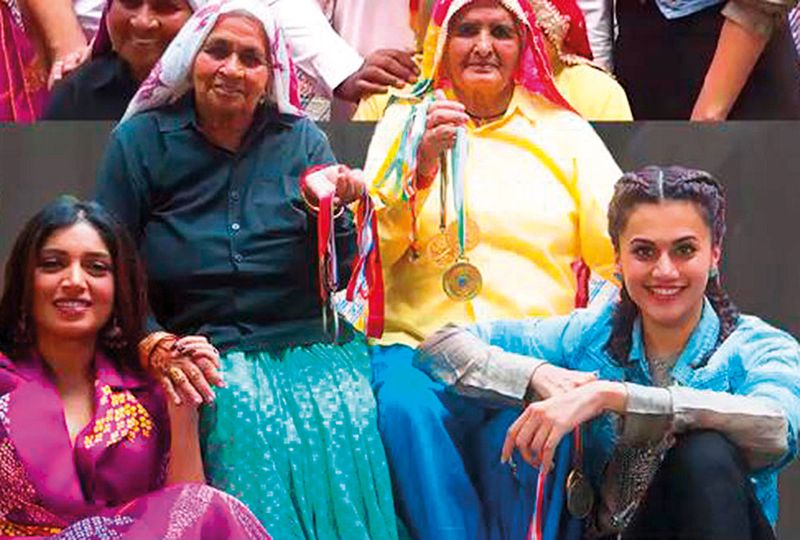 The-real-and-the-reel---Chandro-Tomar-and-Prakashi-Tomar-with-Bhumi-Pednekar-and-Taapsee-Pannu-(Read-Only)