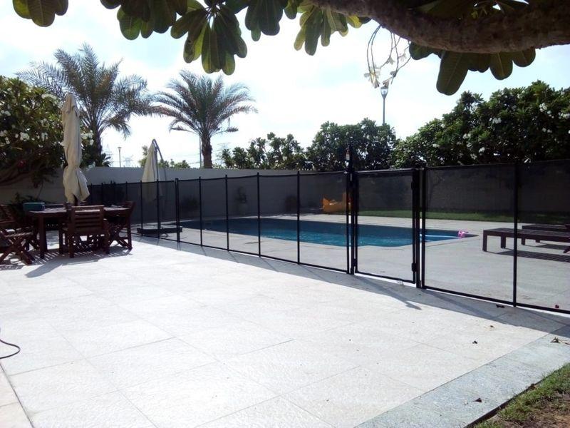 NAT_180516 pool safety-1558173452422