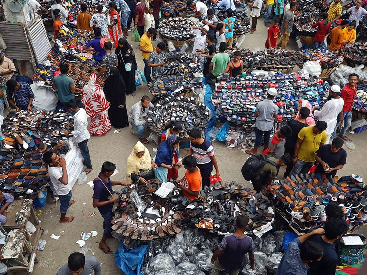 190519-shopping-in-Dhaka-Bangladesh