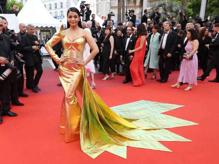 tab Aishwarya Cannes6-1558336390393
