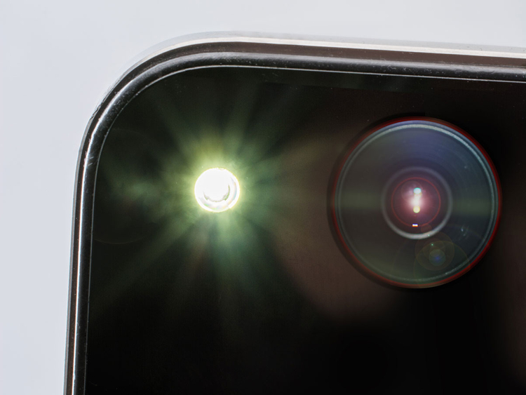 iStock-465705655 phone camera generic