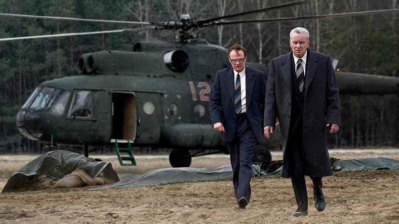 tab Stellan Skarsgård and Jared Harris in Chernobyl (2019)-1558422511633