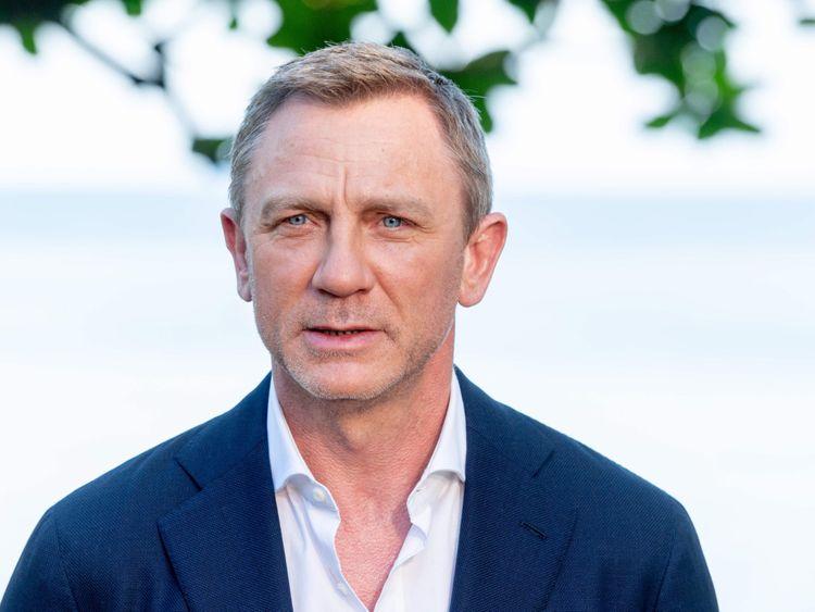 tab Daniel Craig1-1558592528566