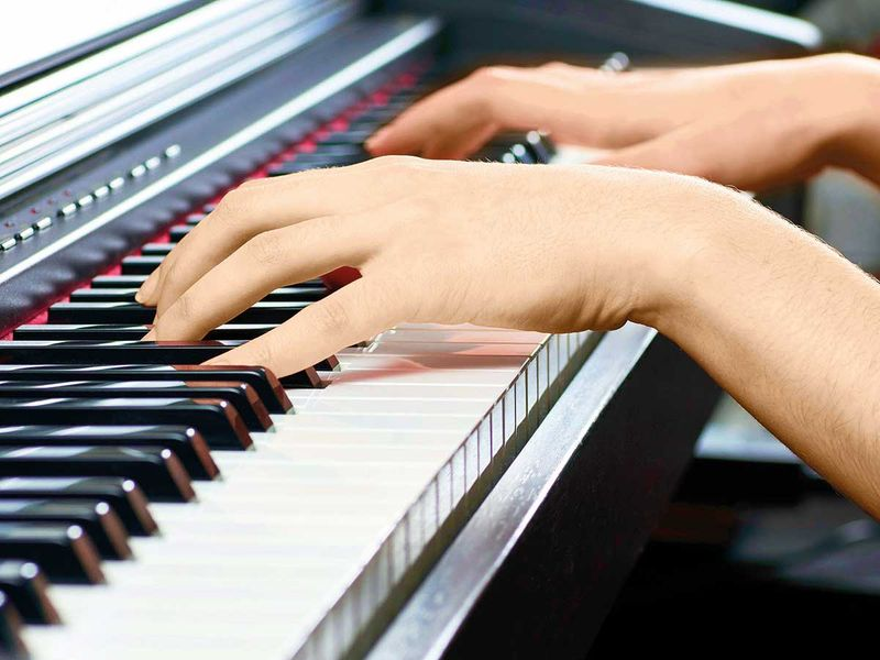 190524 playing piano