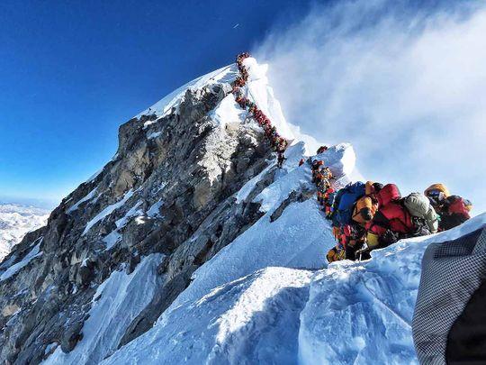 Everest traffic jam 20190524