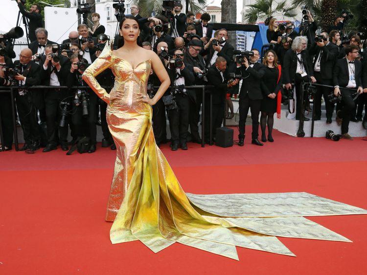 tab Aishwarya Cannes11-1558948783635