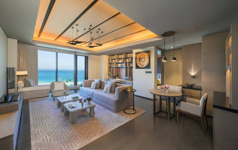 Caesars-Palace-Bluewaters-Dubai-One-Bedroom-Ocean-Suite-Living-Room-1-optimized-1559048422468