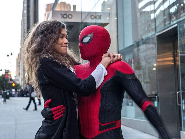 tab Zendaya and Tom Holland in Spider-Man Far From Home (2019)-1559028807982