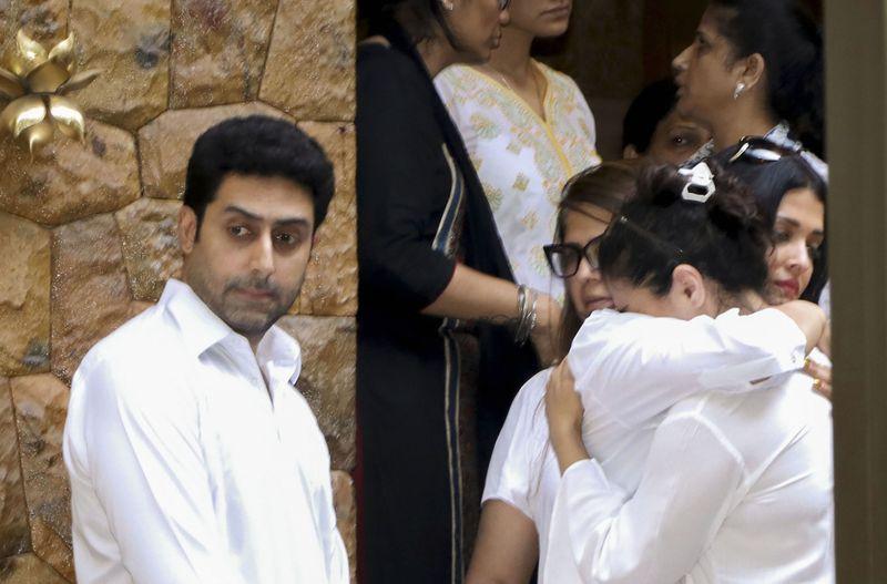 tab stars at  Funeral of Veeru Devgan3-1559031045305