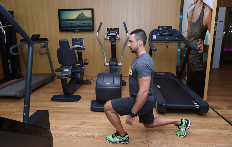 Lunges-1559138056998