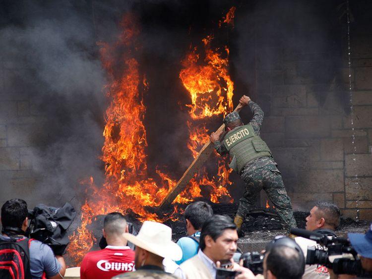 Honduras fire 190601