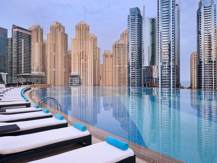 Address Dubai Marina infinity pool
