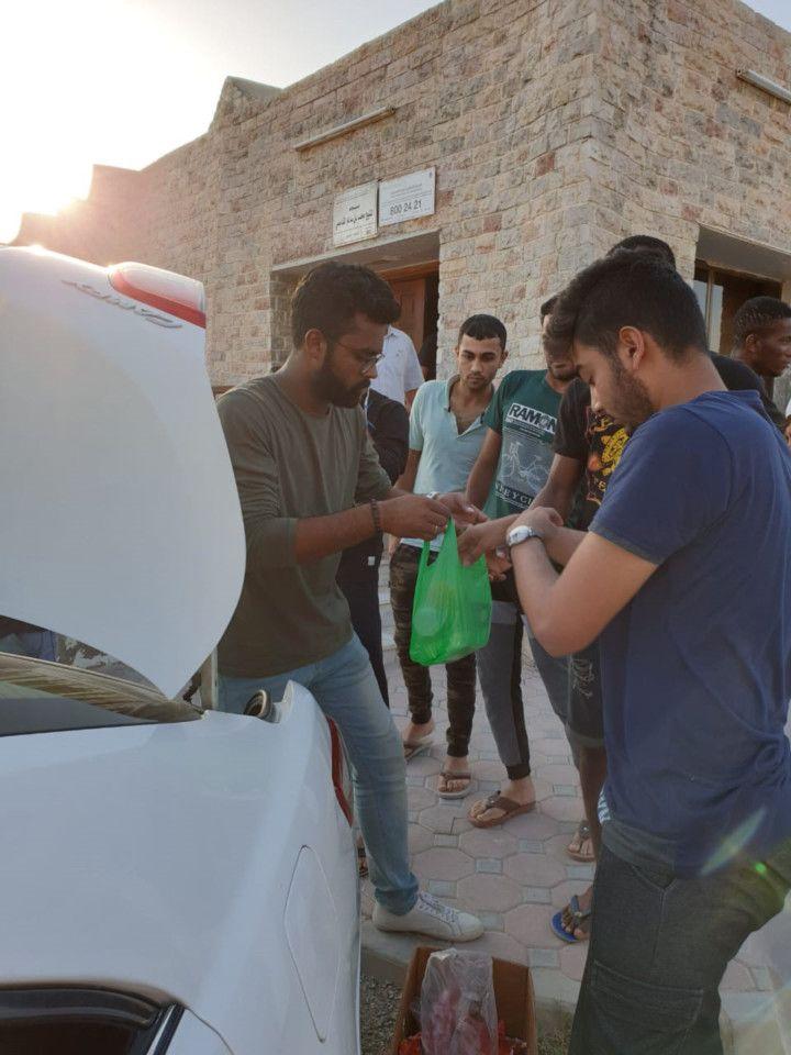 RDS_190603 CR - RAK student distributes iftar-1559474641933