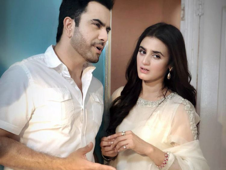 Junaid Khan and Hira Mani on the sets of MAKAFAAT-1559550610549