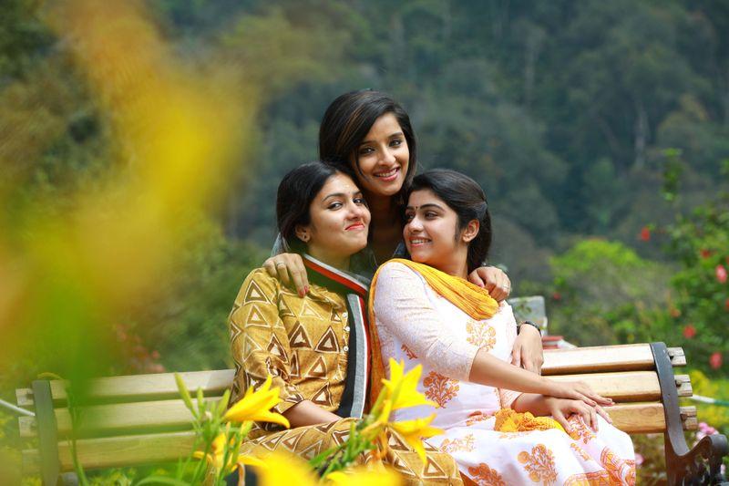 Gayatri Suresh, Manasa Radhakrishnan and Soumya Menon in Children's Park-1559635200389