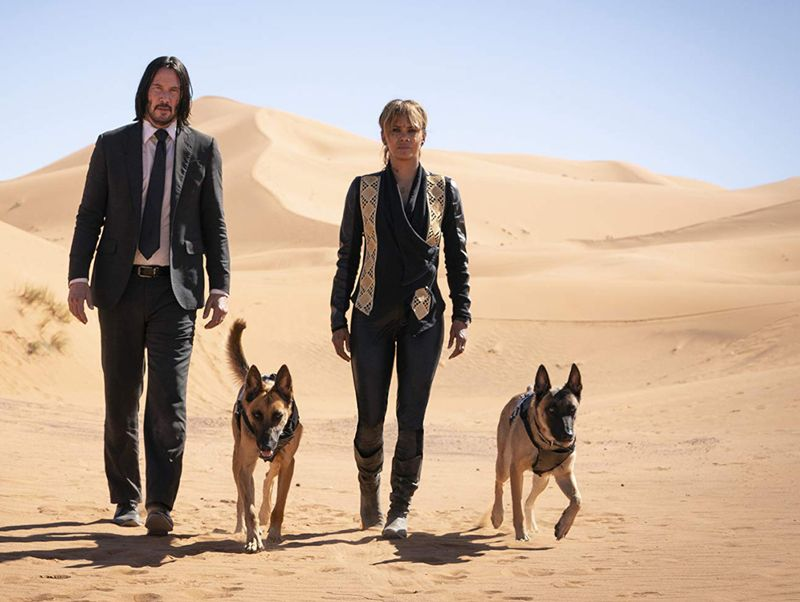tab__Keanu Reeves dog fight and Halle Berry in John Wick_ Chapter 3 - Parabellum (2019)...-1559729996066