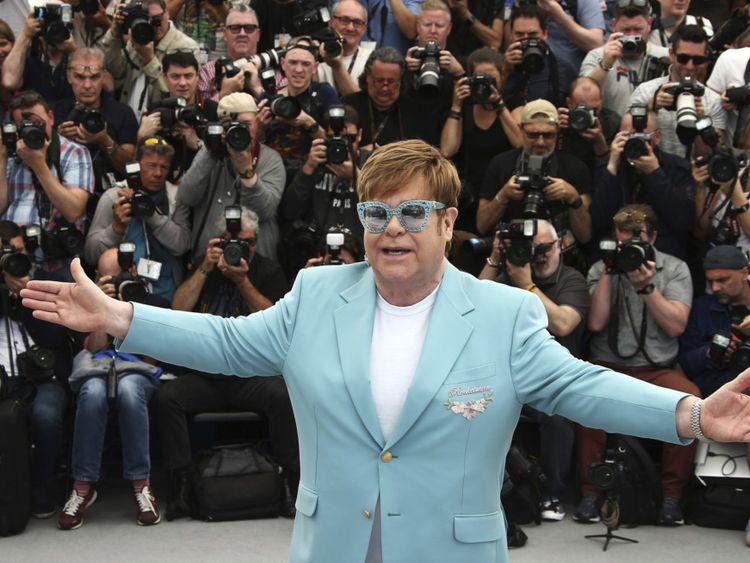 tab Elton John-1559804600826
