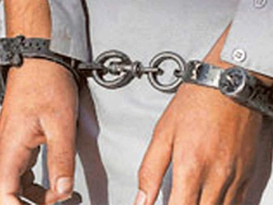 190608 handcuffs