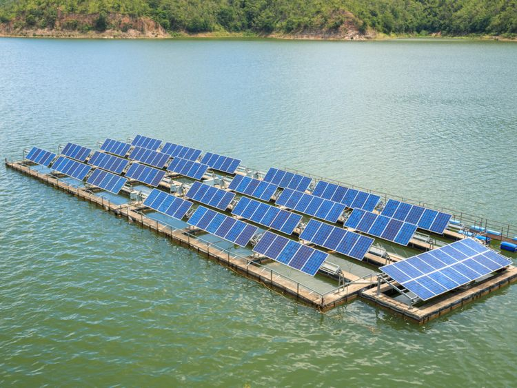 NAT STOCK  floating solar panels1-1560092031987