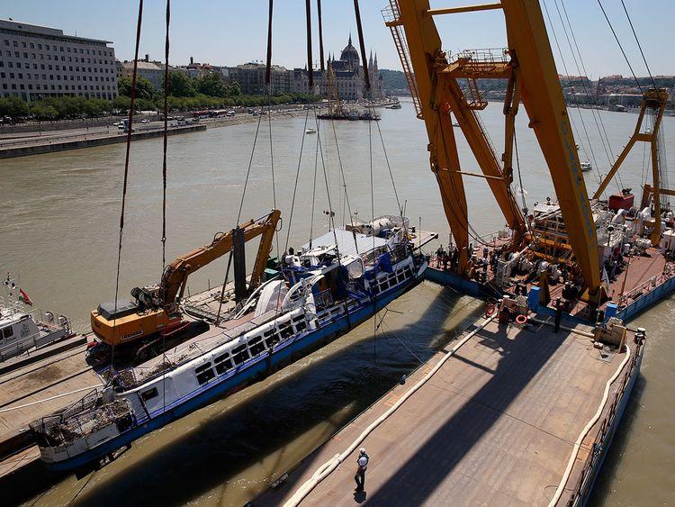 APTOPIX_Hungary_Capsized_Boat_86006