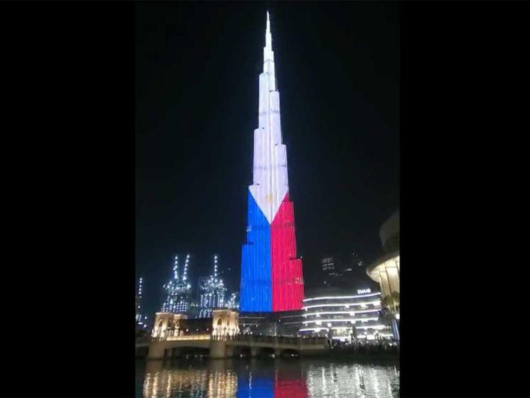 Video: Philippines' 3 stars and the sun up on Burj Khalifa