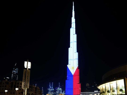 Video Philippines 3 Stars And The Sun Up On Burj Khalifa