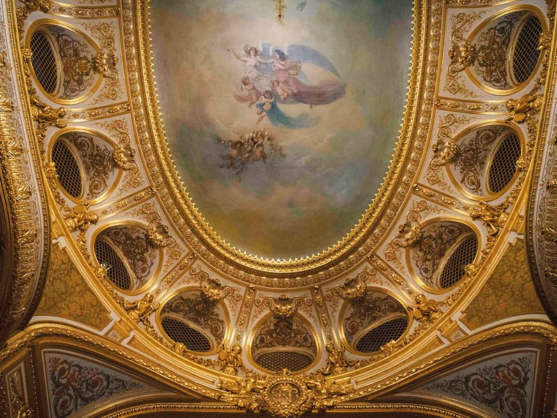 NAT-UAE-FRENCH-FONTAINEBLEAU1-(Read-Only)