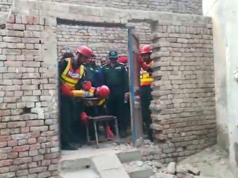 Pakistan's 'heaviest' man taken to hospital for treatment