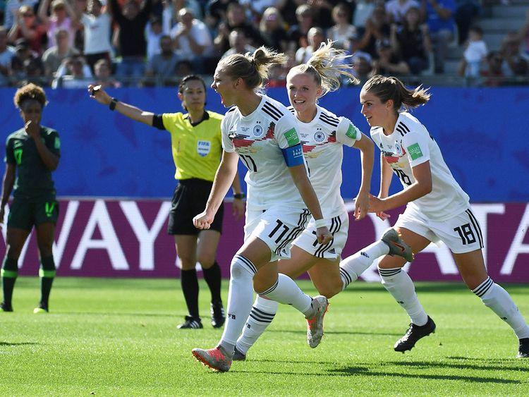 Germany's midfielder Alexandra Popp