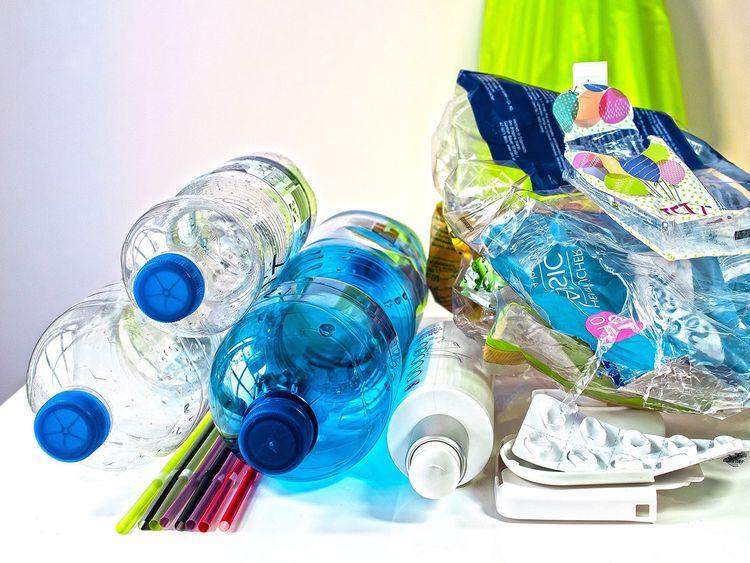 plastic-waste-3962409_1920