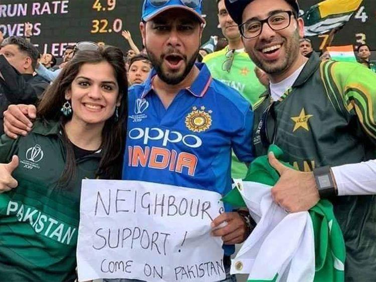 Indian fan supporting 'neighbour' Pakistan wins hearts