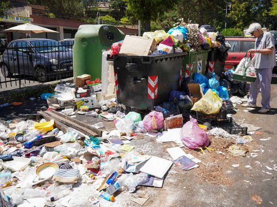 190626 rome garbage