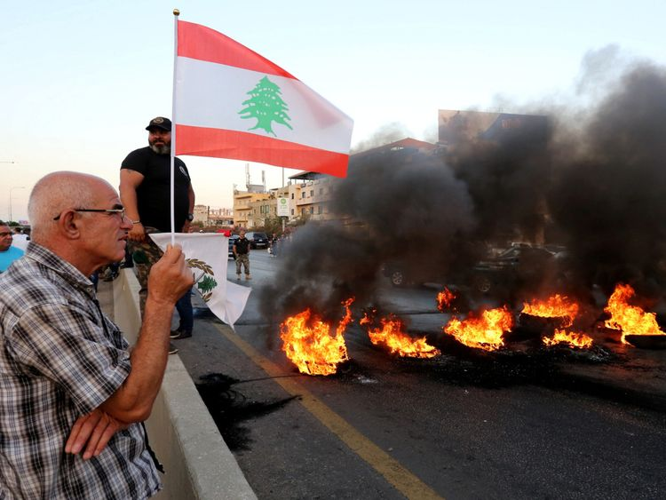Copy of 2019-06-27T061936Z_857652837_RC1714C7F100_RTRMADP_3_LEBANON-ECONOMY-BUDGET-PROTEST-1561639531284