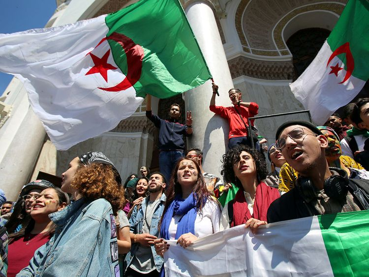 2019-06-16T122851Z_445342099_RC1857912850_RTRMADP_3_ALGERIA-PROTESTS-(Read-Only)
