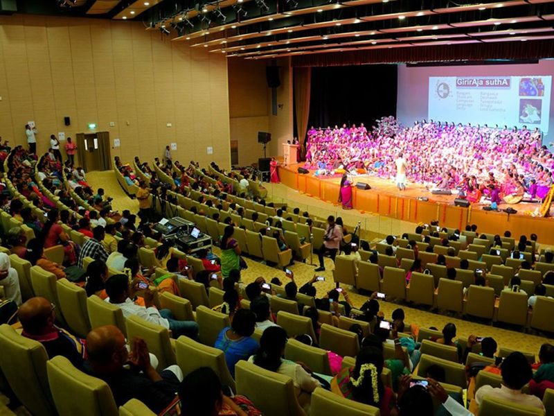 A total of 250 students and 20 teachers enthralled the 700-odd audience
