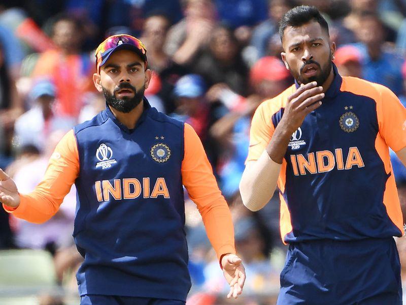 India's captain Virat Kohli (L) and teammate Hardik Pandya