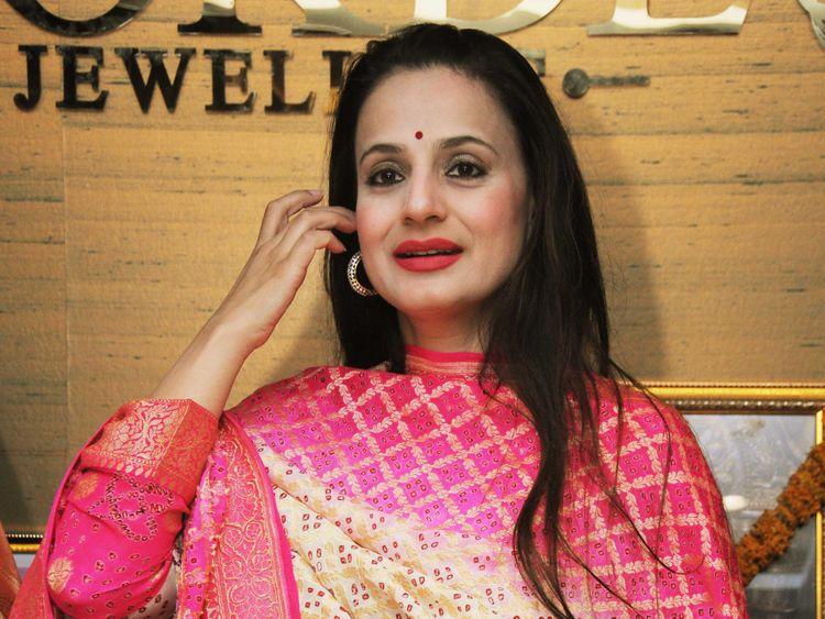 TAB 190630 Ameesha Patel 1-1561882898266