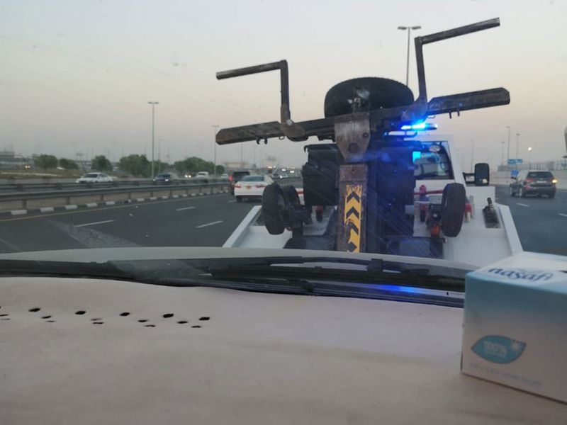 Omani family's car breaks down, Dubai cop goes extra mile