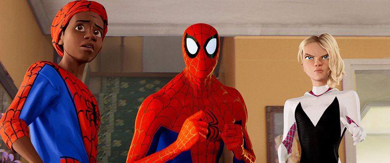 Jake Johnson, Hailee Steinfeld, and Shameik Moore in Spider-Man Into the Spider-Verse 2018-1562046343098