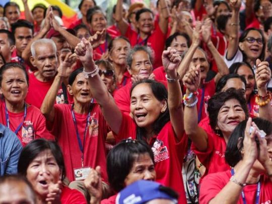 Filipino supporters of former First Lady Imelda Marcos-02