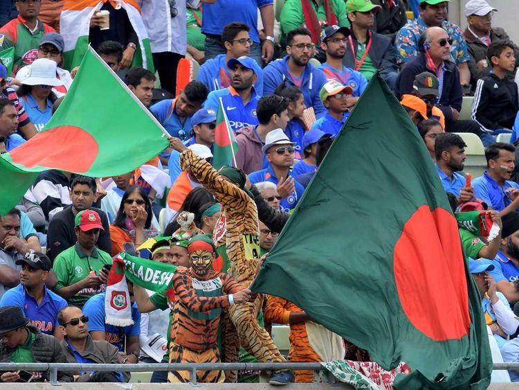 Spectators cheer