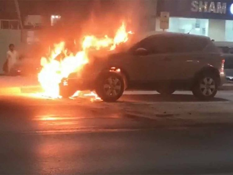 Car on fire in sharjah 2019