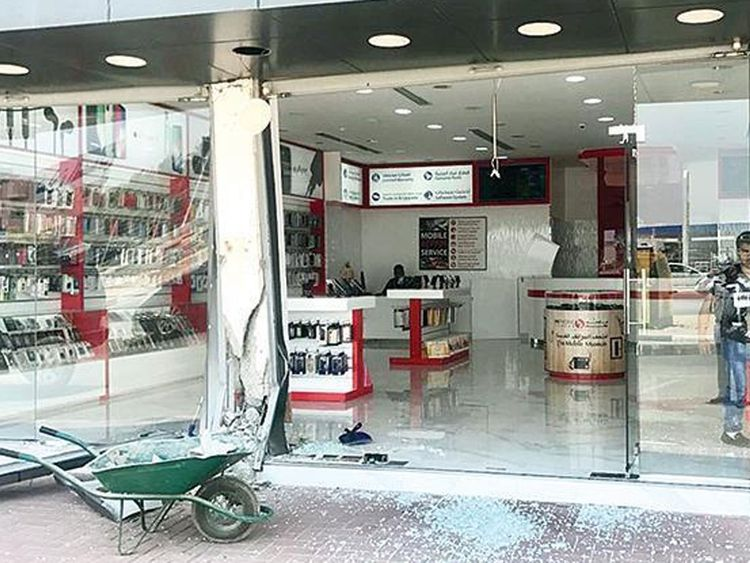 Shop window smashed in Umm Al Quwain