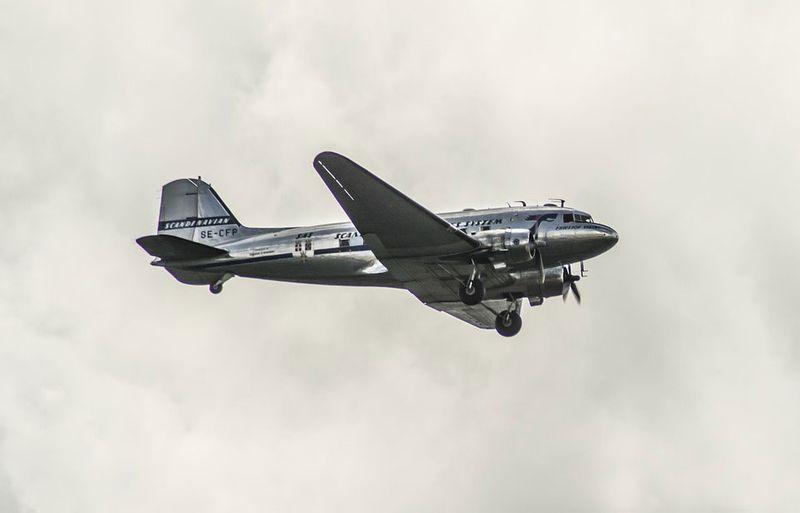 a DC-3 plane